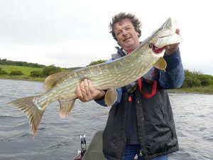 Angelreisen Irland 3011-3026 Fishinglodge Gastgeber mit Hecht