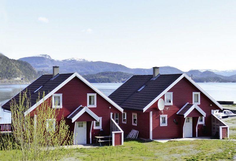 Angelreisen Norwegen 40601-602 Hebnes Ansicht Haus_Landseite