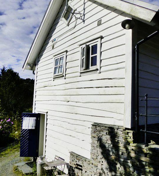 Angelreisen Norwegen 41332-333 Haus Sotra Eingang