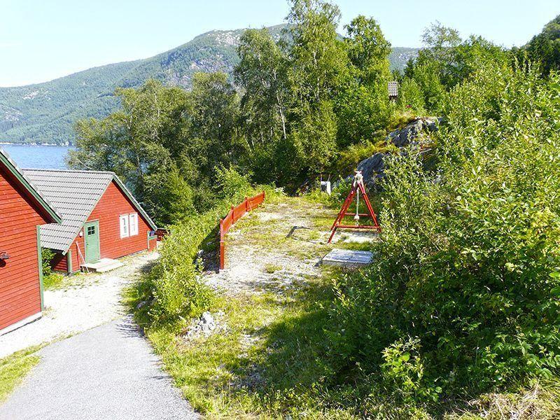Angelreisen Norwegen 41401-403 Sognefjord Ferienhäuser Spielplatz