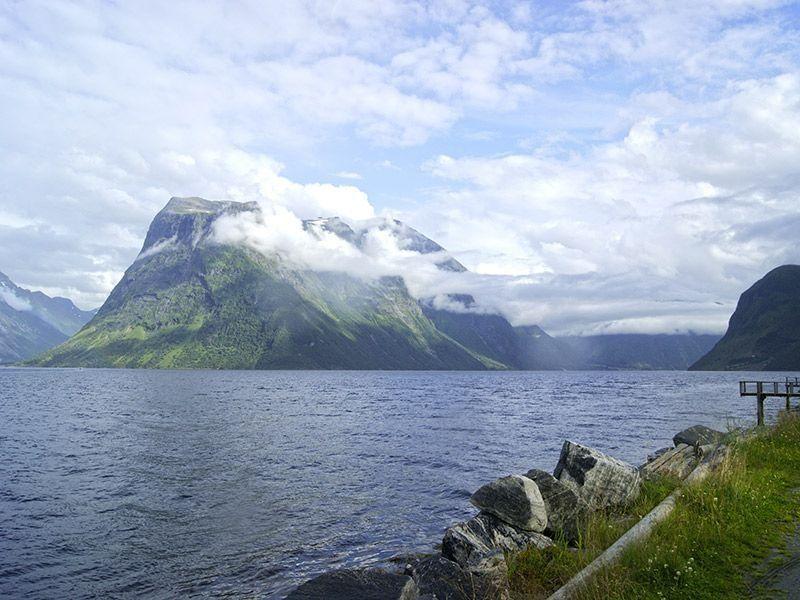 Angelreisen Norwegen 41661-41663 Hustadnes Fjordhytter Landschaft Überblick