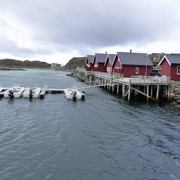 Angelreisen Norwegen 43301-305 Offersøy Feriesenter Rorbuer, Hafen - Übersicht