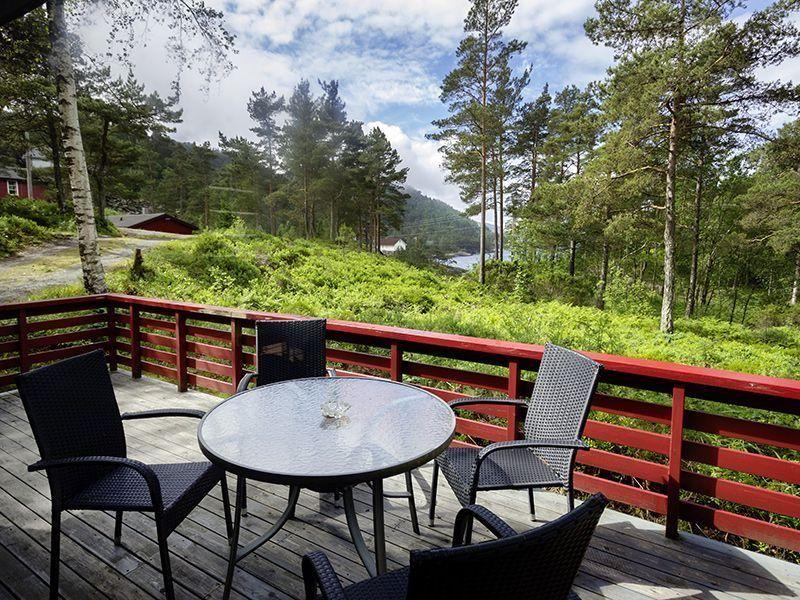 Angelreisen Norwegen 40917 Halsnøy Terrasse