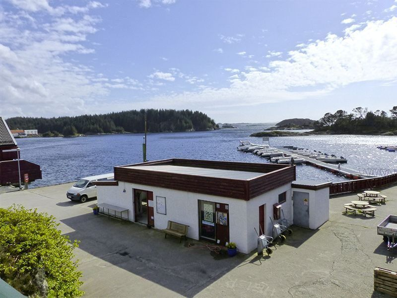 Angelreisen Norwegen 41321-41329 Kvalheim Filetierhaus + Hafen