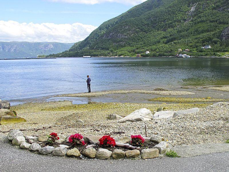 Angelreisen Norwegen 41381-41392 Hjartholm Feriehytter flache Bucht