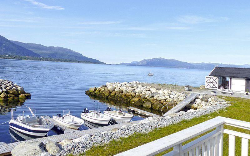 Angelreisen Norwegen 41771-41776 Ferienhäuser Nerås Hafen + Filetierhaus