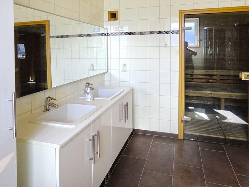 Angelreisen Norwegen 41882 Eriks Viking Lodge Bad, Sauna