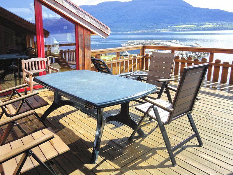 Angelreisen Norwegen 41881 Eriks Viking Lodge Terrasse