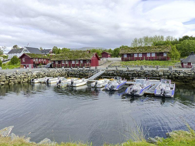 Angelreisen Norwegen 41901-908 Atlanterhavsveien Sjøstuer Ansicht mit Hafen