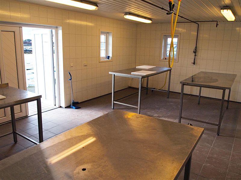Angelreisen Norwegen 41921-928 Betten Rorbuer Filetierhaus