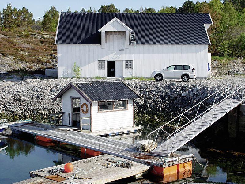 Angelreisen Norwegen 42051-054 Fjellvær Filetierhaus