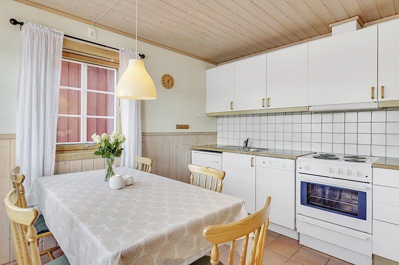 Angelreisen Norwegen 42321-324 Rønsholmen Brygger Küche
