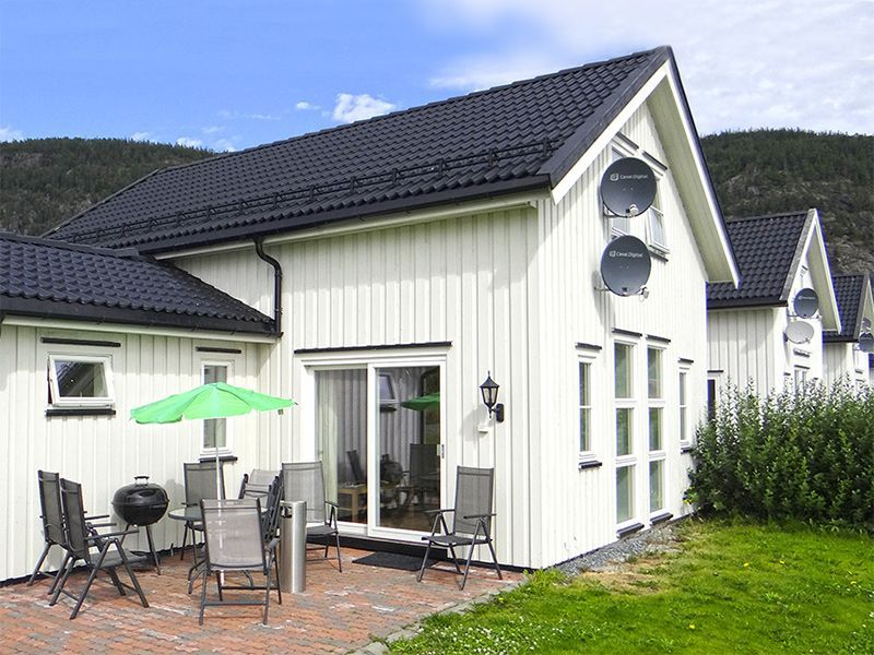 Angelreisen Norwegen 42341-342 Hindrum Fjordsenter Terrasse