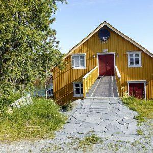 Angelreisen Norwegen 42611 Løvøen Gård Eingang