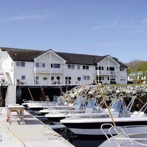 Angelreisen Norwegen 42700-729 Leka Brygge Haus + Hafen