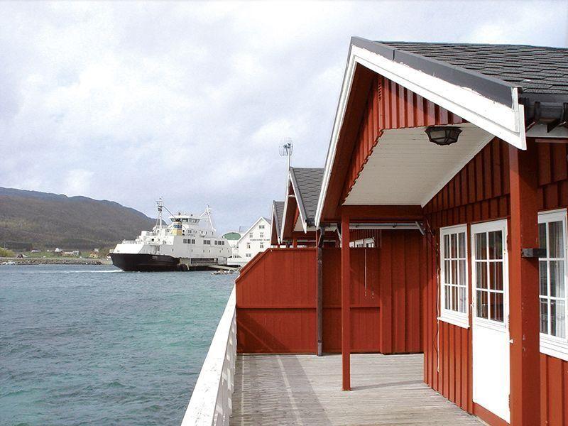 Angelreisen Norwegen 42891-893 Vennesund Brygge Terrasse