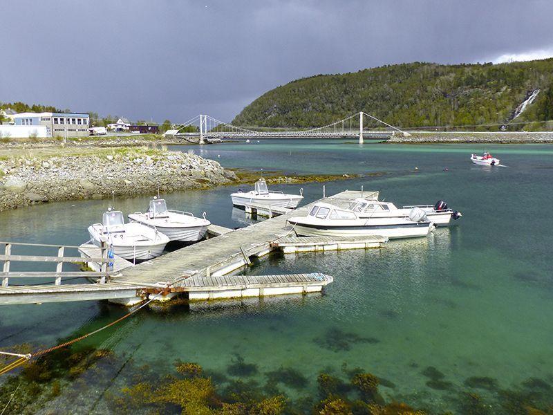 Angelreisen Norwegen 43200-250 Hamarøy Fiskecamp Hafen