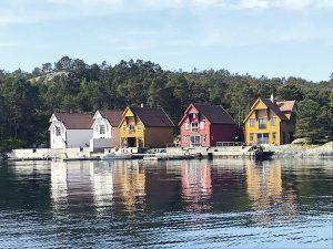 Angelreisen Norwegen 41121 Gassasundet Fjordperla Ansicht vom Wasser