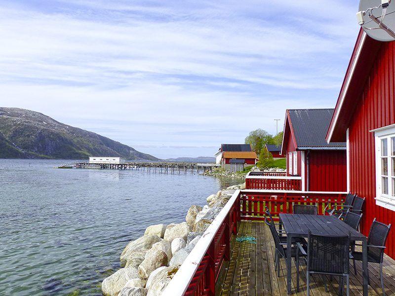Angelreisen Norwegen 43012 Visthus Rorbuer Terrasse mit Aussicht