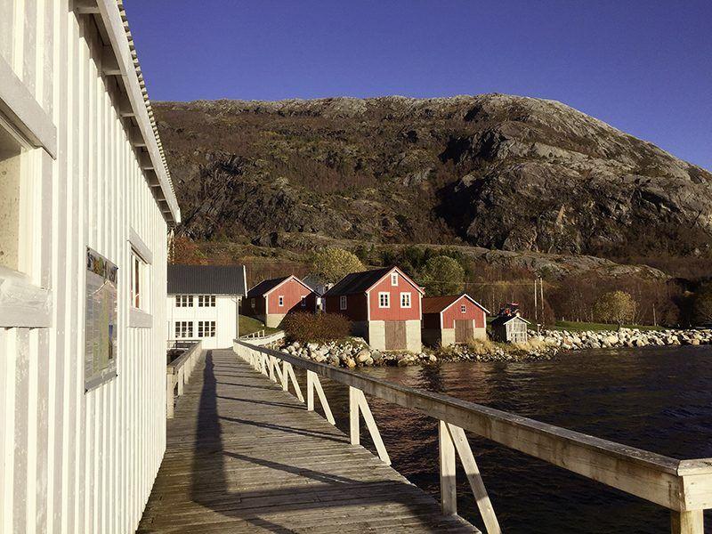Angelreisen Norwegen 43014 Visthus Rorbuer Ansicht vom Wasser