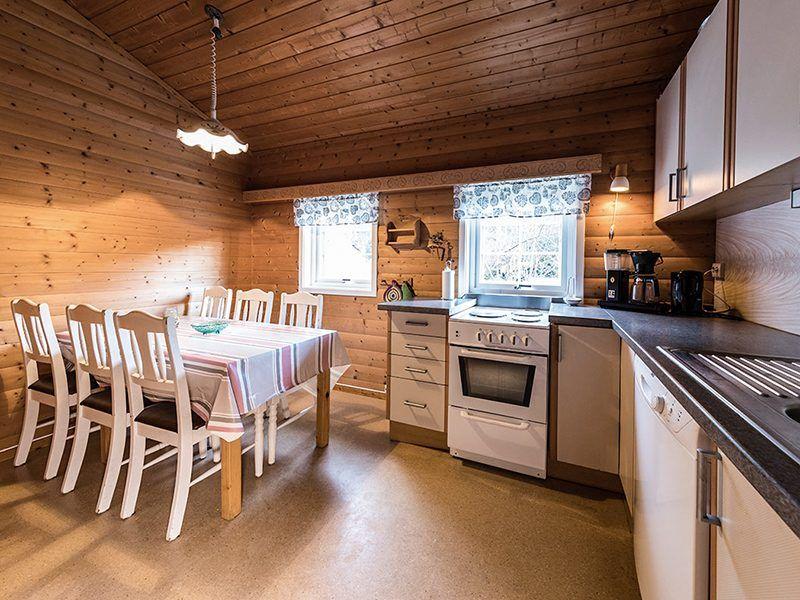 Angelreisen Norwegen 41501-41504 Skottneset Feriesenter Küche