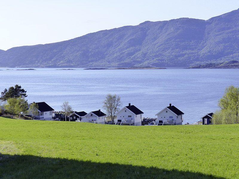 Angelreisen Norwegen 41771-41774 Ferienhäuser Nerås Ansicht zum Wasser