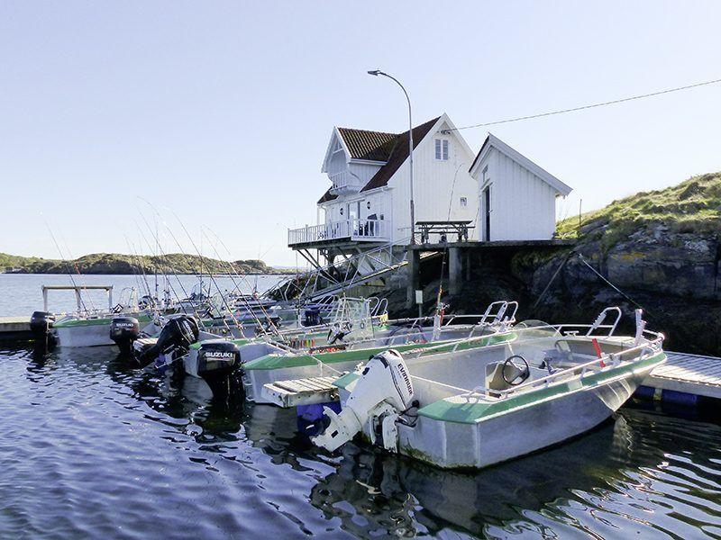 Angelreisen Norwegen 42000 Kjevikan Sjøferie Ansicht mit Hafen