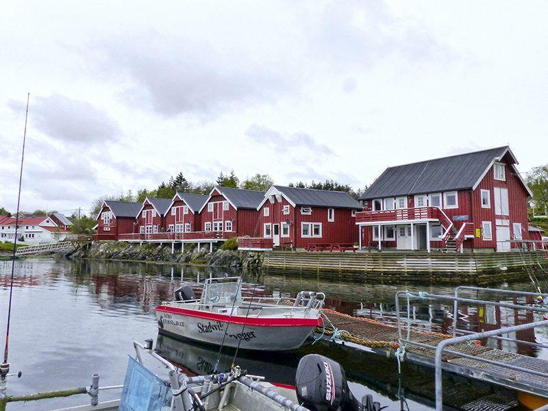 Angelreisen Norwegen 42091-42140 Stadsvik Brygger Ansicht und Hafen