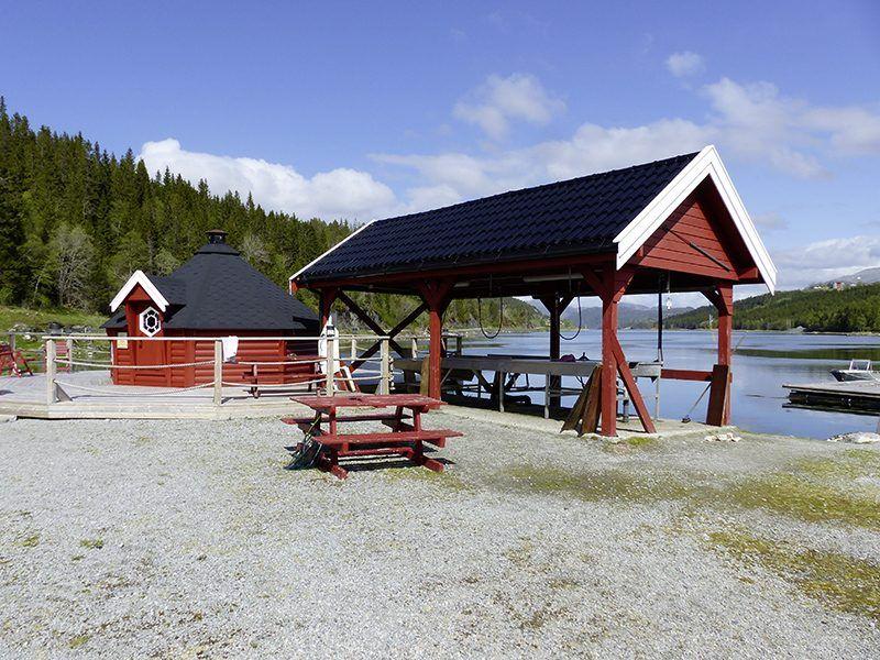 Angelreisen Norwegen 42801-42807 Bogen Filetierplatz + Grillhütte