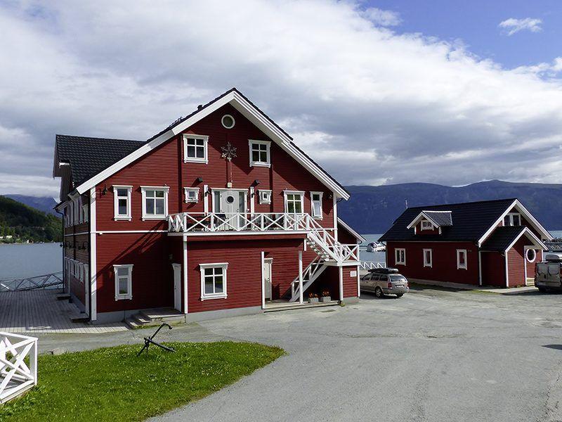 Angelreisen Norwegen 43551-43557 Sørheim Brygge Apartmenthaus und Ferienhaus