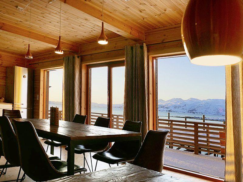 Angelreisen Norwegen 43811-43812 Mikkelvik Brygge Häuser Wohnzimmer Aussicht