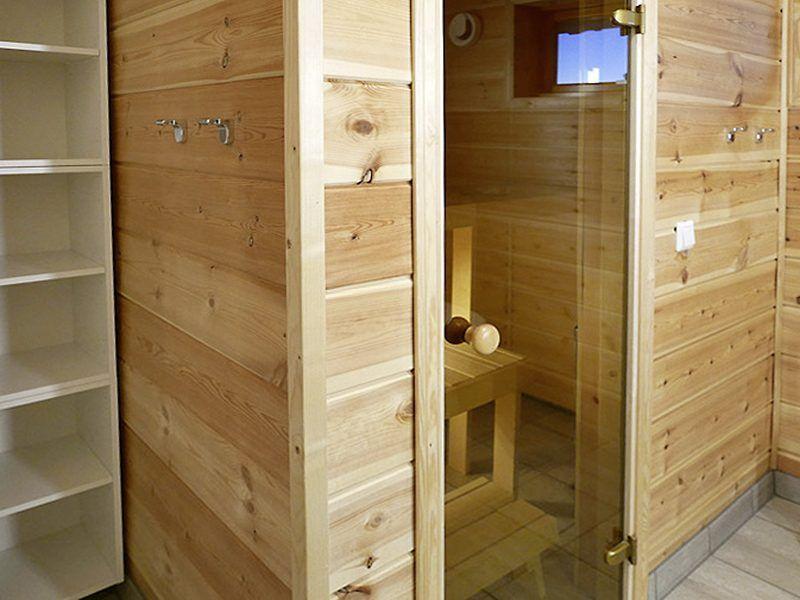 Angelreisen Norwegen 43821 + 43823 Mikkelvik Brygge Sauna im Bad