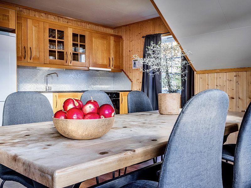 Angelreisen Norwegen 43576-43577 XLyngen Küche, Essen