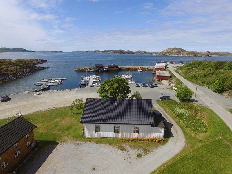 Angelreisen Norwegen 42441 Nord-Flatanger Utvorda Ansicht mit Hafen