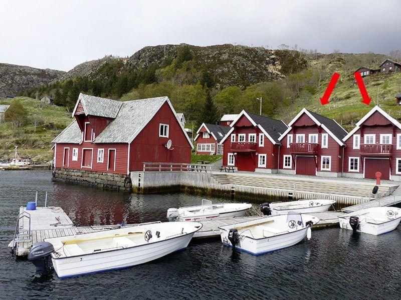 Angelreisen Norwegen 41542-41543 Bakkevik Brygge Ansicht mit Hafen
