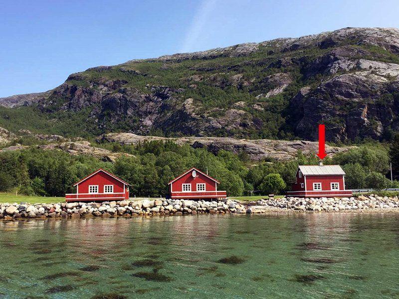 Angelreisen Norwegen 43011 Visthus Rorbuer Ansicht vom Wasser