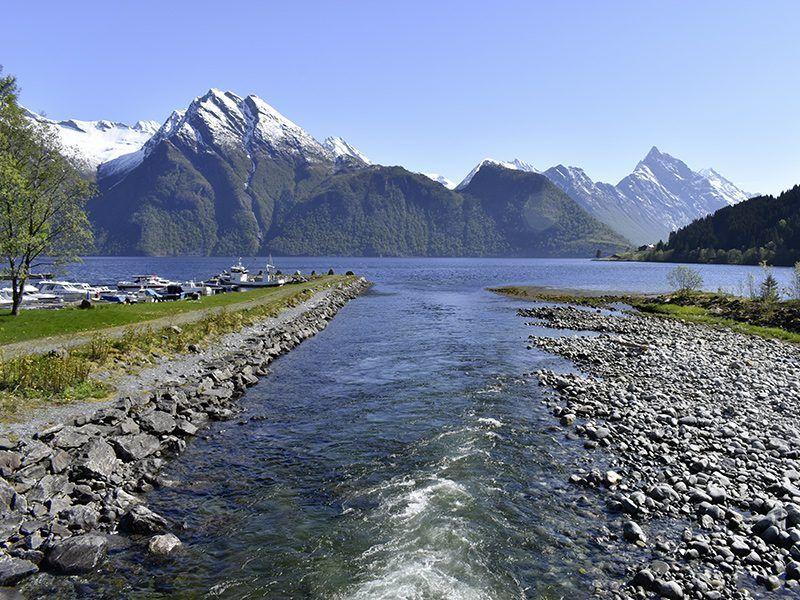 Angelreisen Norwegen 41661-41663 Hustadnes Fjordhytter Umgebung