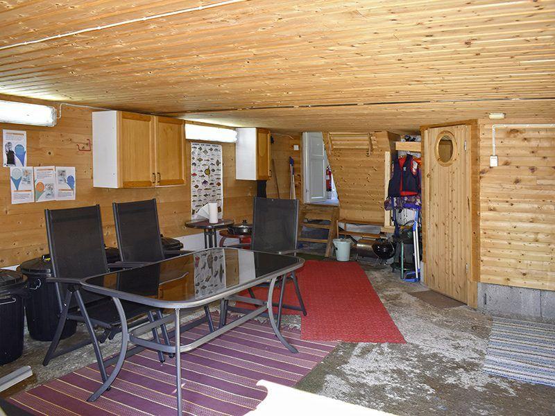 Angelreisen Norwegen 41805 Vestrefjord Aufenthaltsraum + Filetierplatz