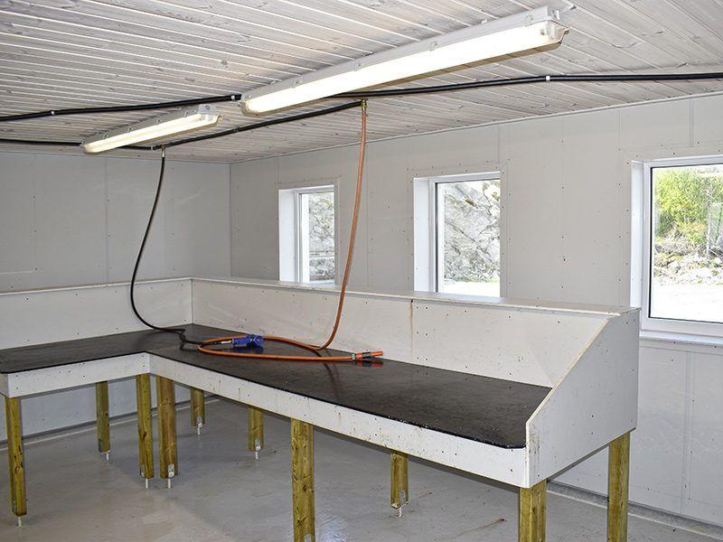 Angelreisen Norwegen 42401-42420 Bessaker neues Filetierhaus innen