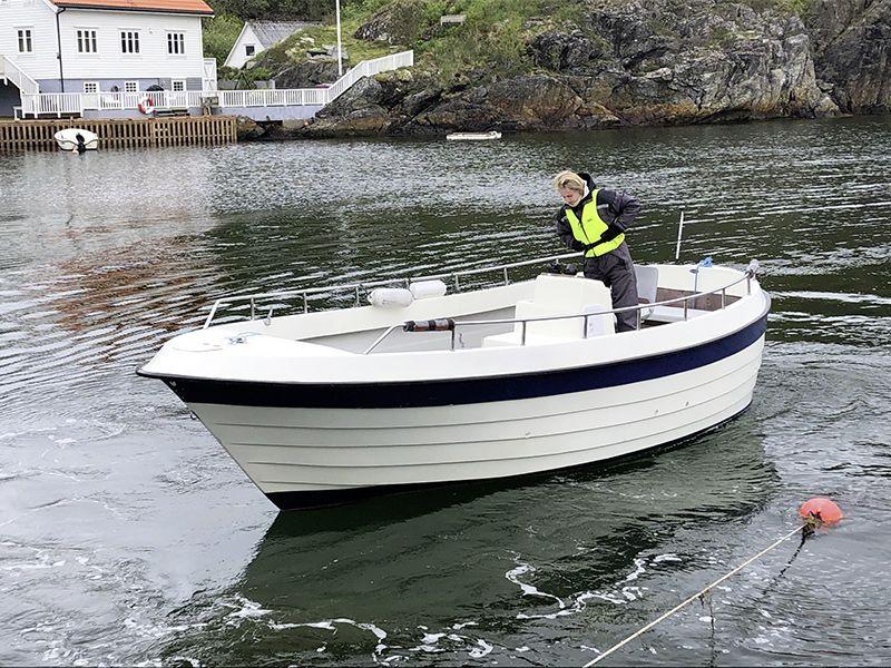 Stangeneset - Dieselboot 22 Fuß, 27 PS mit Echolot und mobilem Kartenplotter. Schwimmwesten vorhanden.
