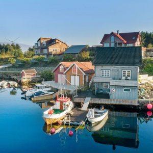 Angelreisen Norwegen 40700 Ferienhaus Karmøy Ansicht vom Wasser
