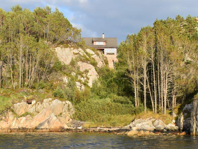 Angelreisen Norwegen 41050 Rolfsnes Ansicht vom Wasser