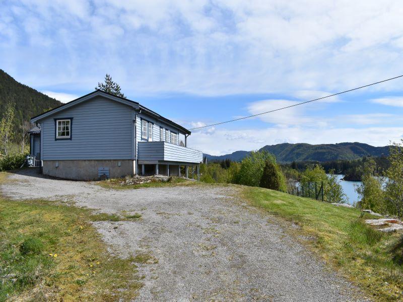Angelreisen Norwegen 41353 Austgulen Fjordhytter Ansicht zum Wasser