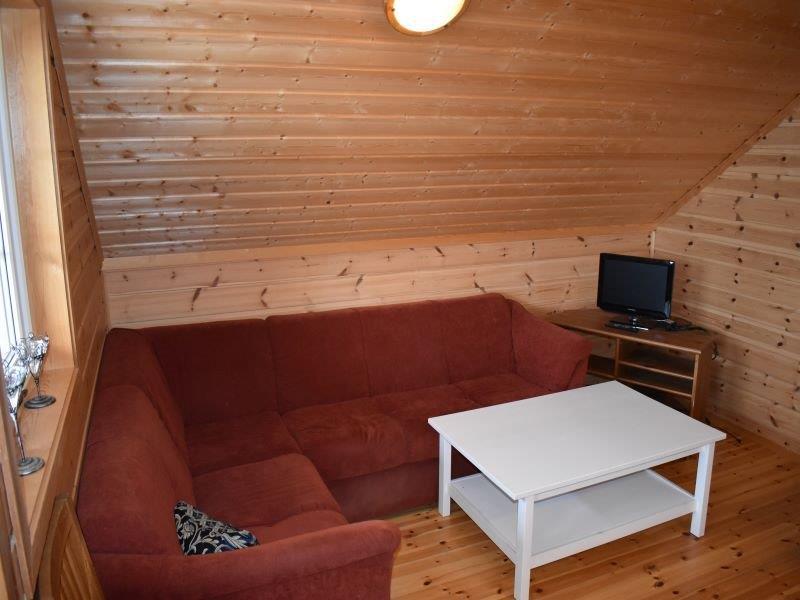 Angelreisen Norwegen 41874-41875 Nesøya Brygge Sitzecke