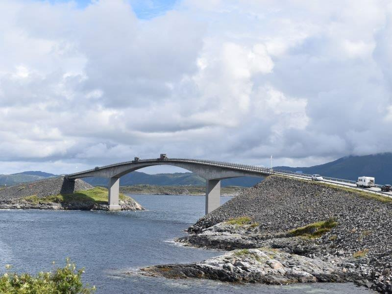 Angelreisen Norwegen Gaupsundet Feriehytter Atlantikstraße Brücke