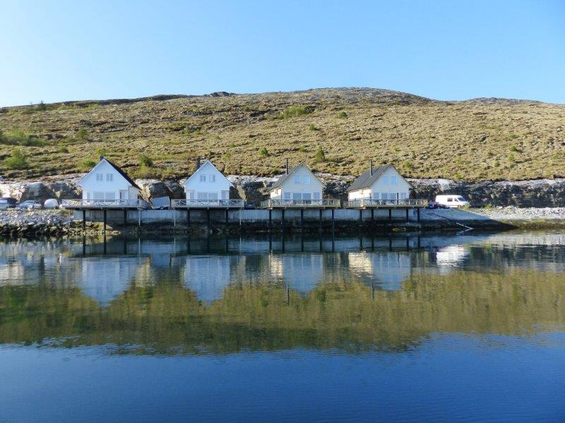 Angelreisen Norwegen 42416-42419 Besssaker Ansicht vom Wasser