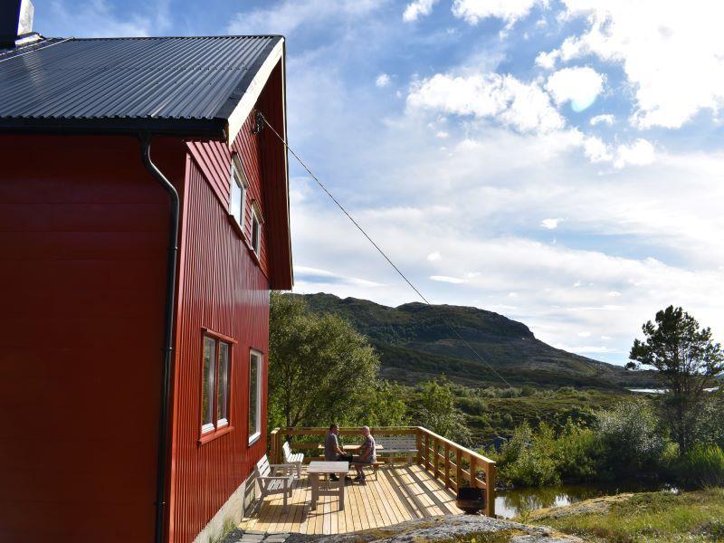 Angelreisen Norwegen 42442 Nord-Flatanger Utvorda Ansicht mit Terrasse