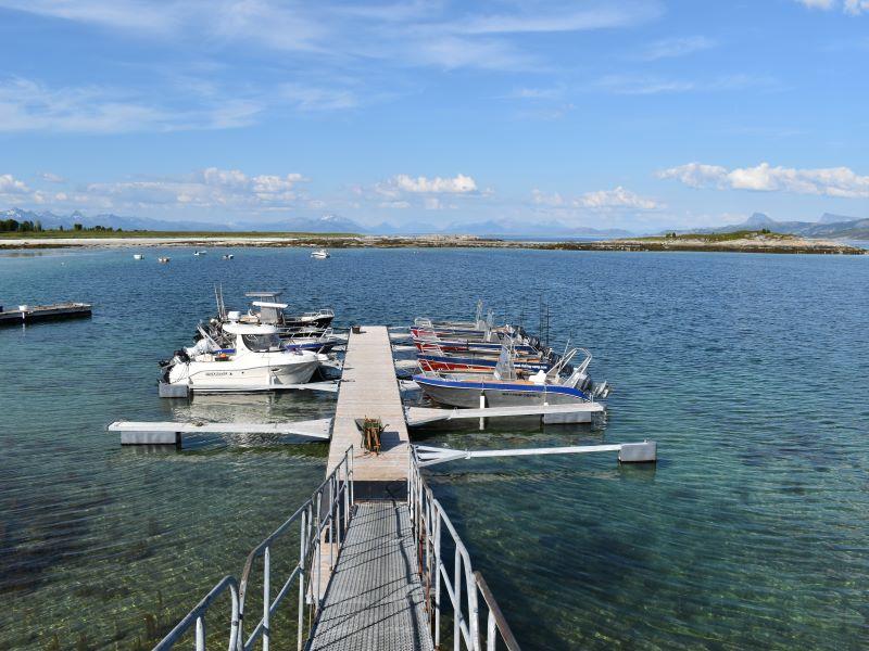 Angelreisen Norwegen 43411-43424 Sommersel Fishing Camp Bootssteg