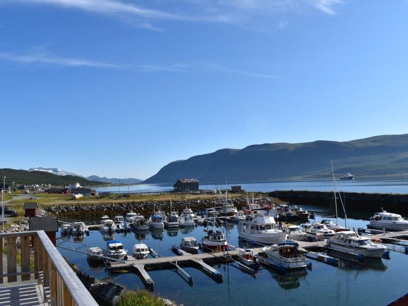 Angelreisen Norwegen 43604 Hansnes Havfiske Blick auf den Hafen