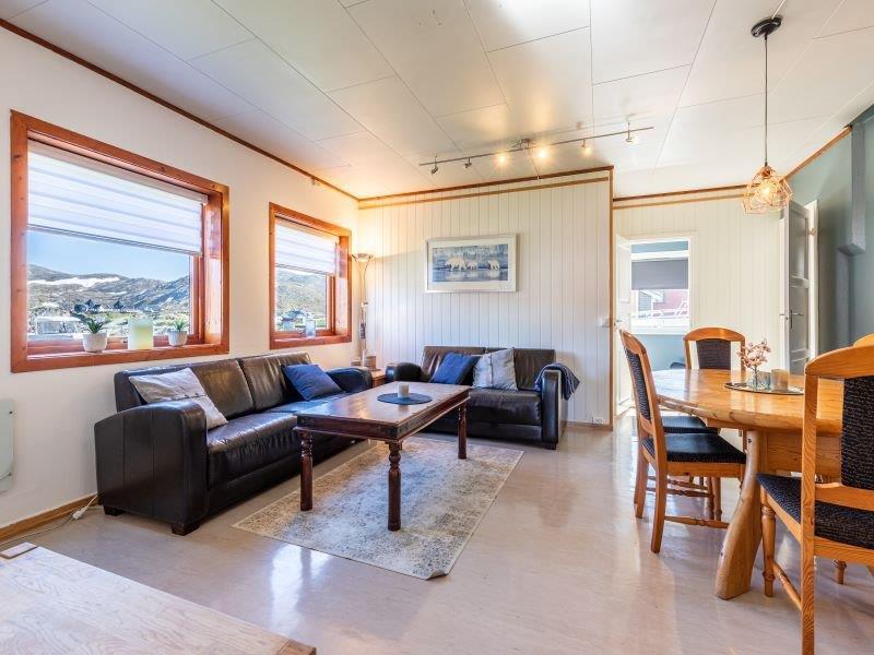 Angelreisen Norwegen 45011 Skarsvåg Nordkapp Wohnen mit Couch